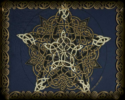 Pentacle Knot Vintage Shirts